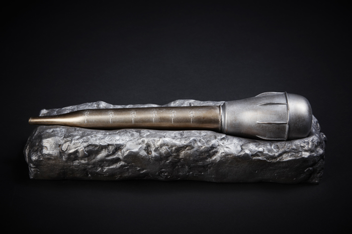 Wendy Coburn, Idea Object, bronze, 2013. Photo Janet Kimber